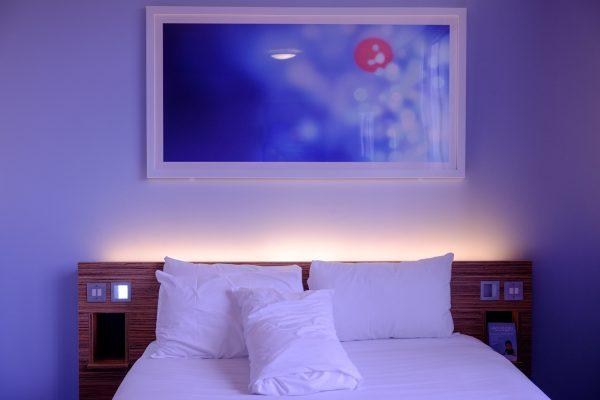 Décoration dans une chambre, comment la rendre confortable ?